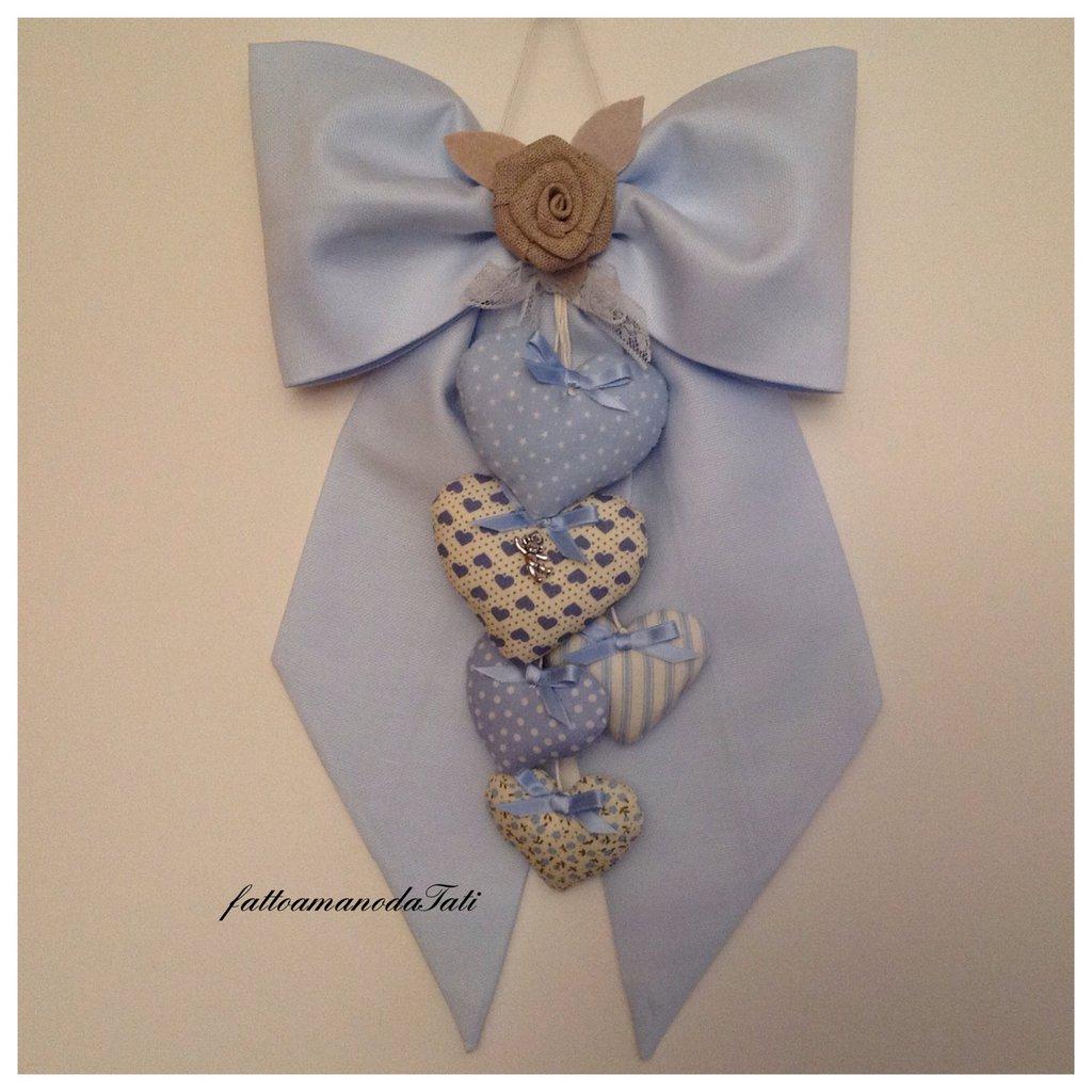 Fiocco nascita in piquet di cotone azzurro con cuori imbottitti