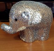 Elefante portafortuna con piccola proboscide