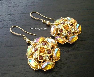 Orecchini con bottoni gioiello vintage pietre e stass in tonalità topazio
