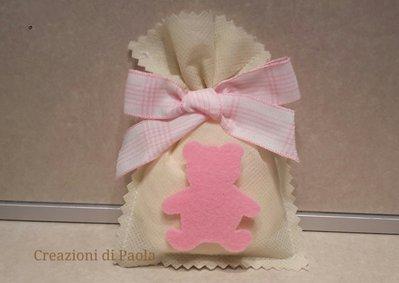 Sacchetto bomboniera panna con orsetto rosa