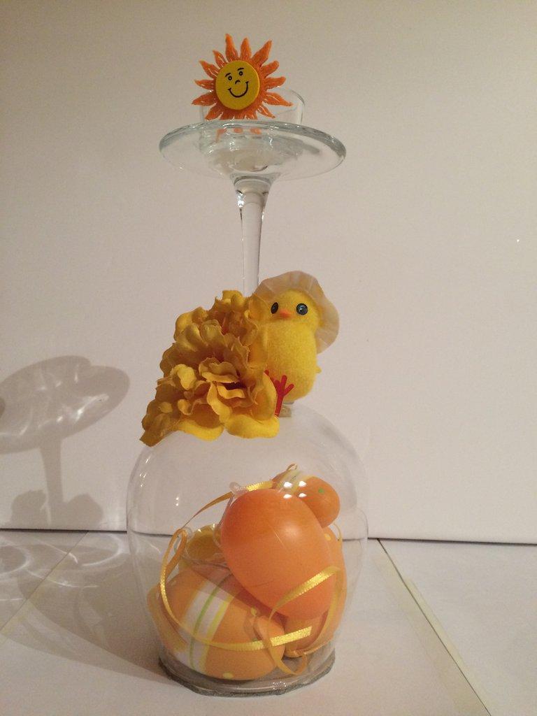 Bicchieri centro tavola pasquale per la casa e per te decorare su misshobby - Centro tavola per pasqua ...