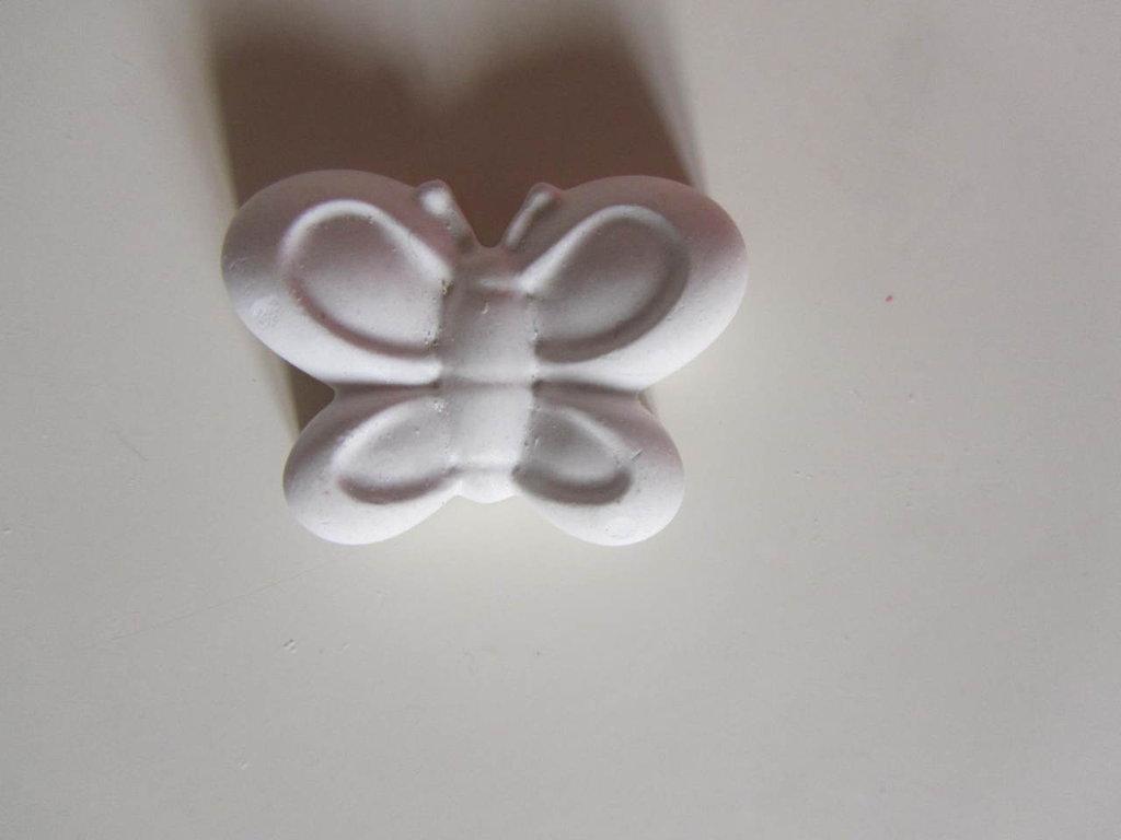 Gessetto profumato a forma di farfallina(segnaposto,aprifesta,bomboniera)
