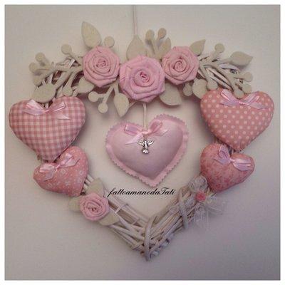 Cuore/fiocco nascita 6 cuori sui toni del rosa con rose