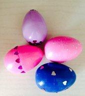 Uova di polistirolo decorate a mano