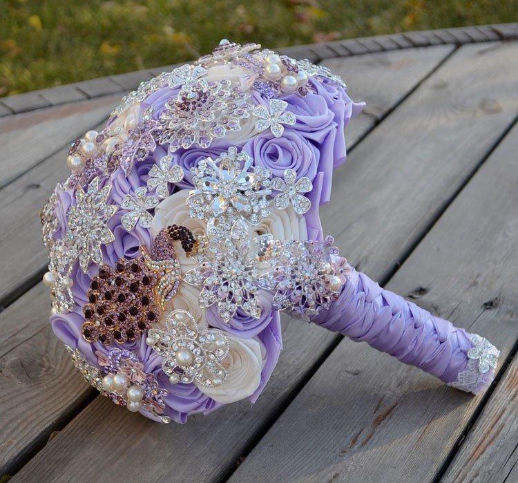 Bouquet gioiello...Bouquet da sposa Lillac fatto con spille...