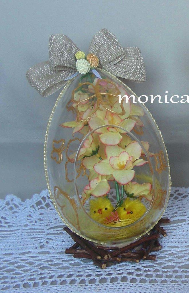 uovo plexiglass con fiori e pulcini