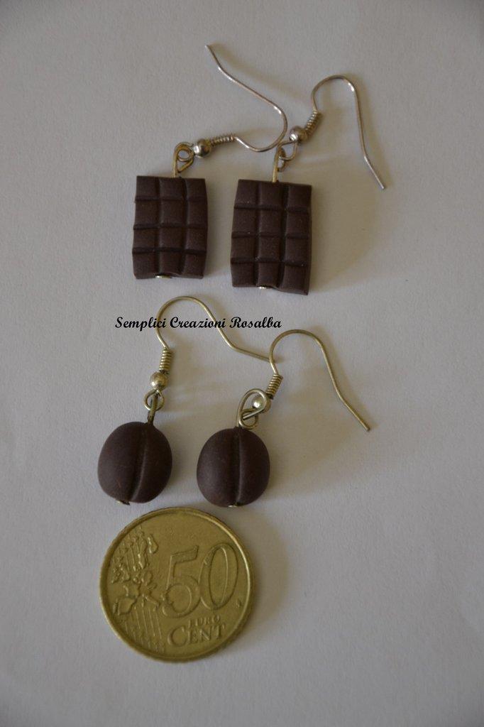orecchini in fimo- chicco di caffè e tavoletta di cioccolato- orecchini spiritosi fatti a mano- colore marrone !!!OFFERTA!!!