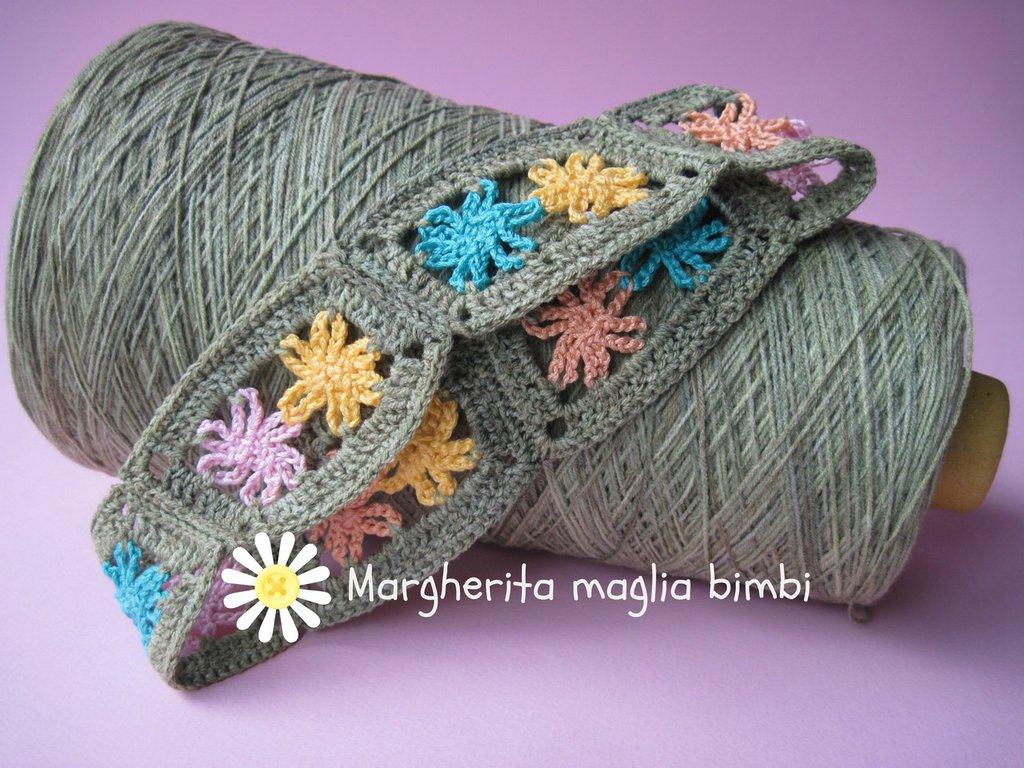 Fascia per capelli a fiori, da bambina, fatta all'uncinetto in cotone