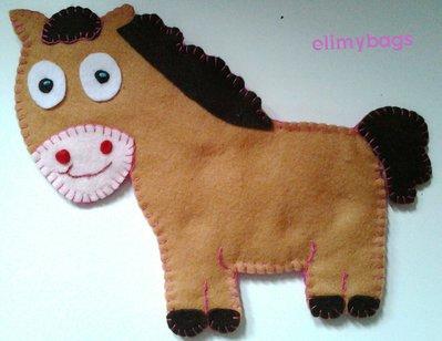 Cavallo in feltro per bambini handmade♡