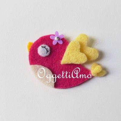 Calamita in feltro 'Uccellino' : una miniatura per ricordare un momento speciale!
