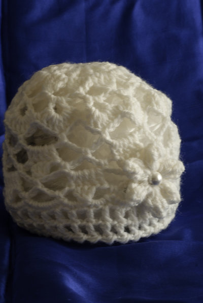 Cappellino di lana color panna