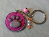Portachiavi zampina rosa/grigio campanellino e perline