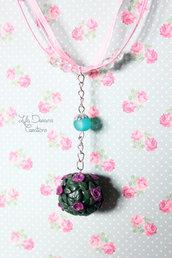Collana con pendente a bouquet di rose
