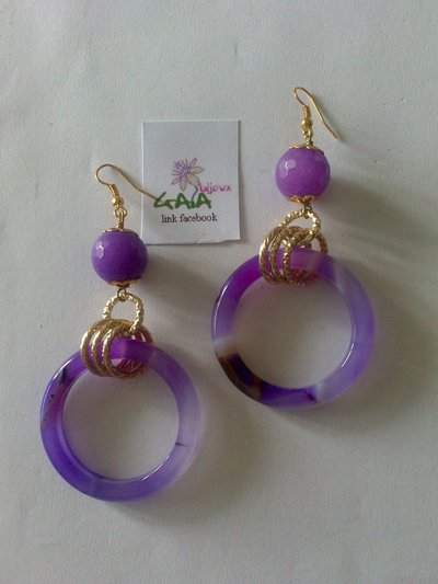 Orecchini viola in agata con cerchio pendente