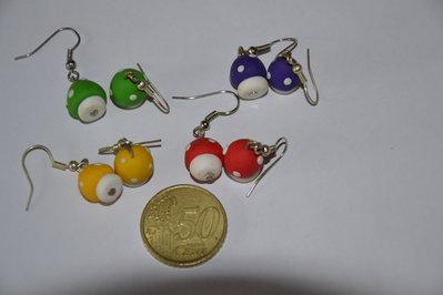 orecchini in fimo- funghi funghetti colorati- orecchini spiritosi fatti a mano- colori misti
