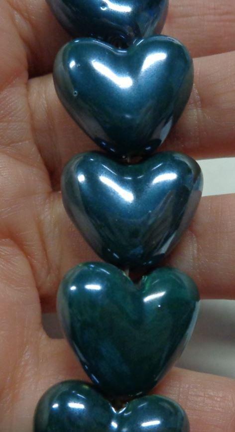 5 Perline in Porcellana Perlata CUORE colore VERDONE