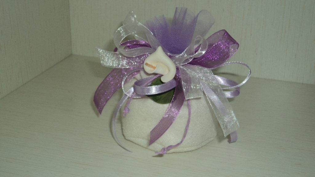sacchetto x confetti lilla panna artigianale CON CONFETTI segnaposto bomboniera
