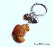 Portachiavi cornetto croissant creato a mano in fimo