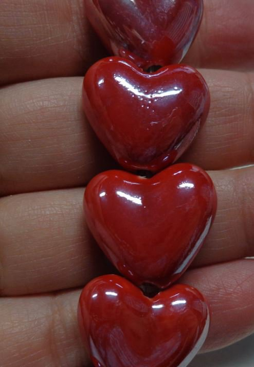 4 Perline in Porcellana Perlata CUORE colore ROSSO