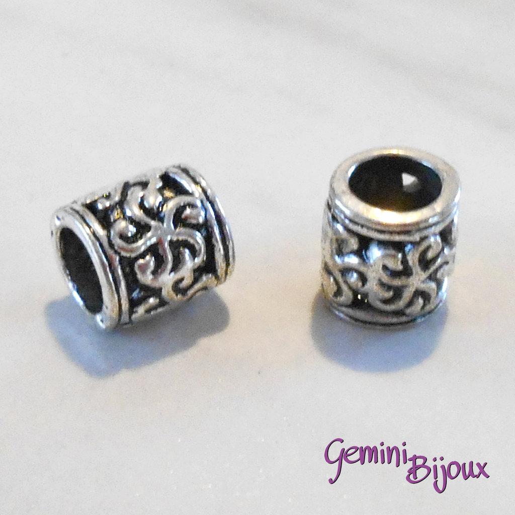 Perla tibetana in alluminio argentata a foro largo, mm 8x9. LH01