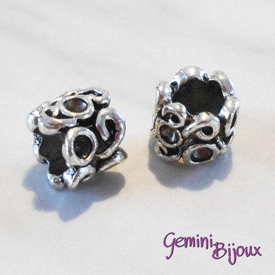 Perla tibetana in alluminio argentata a foro largo, mm 9x7. LH02