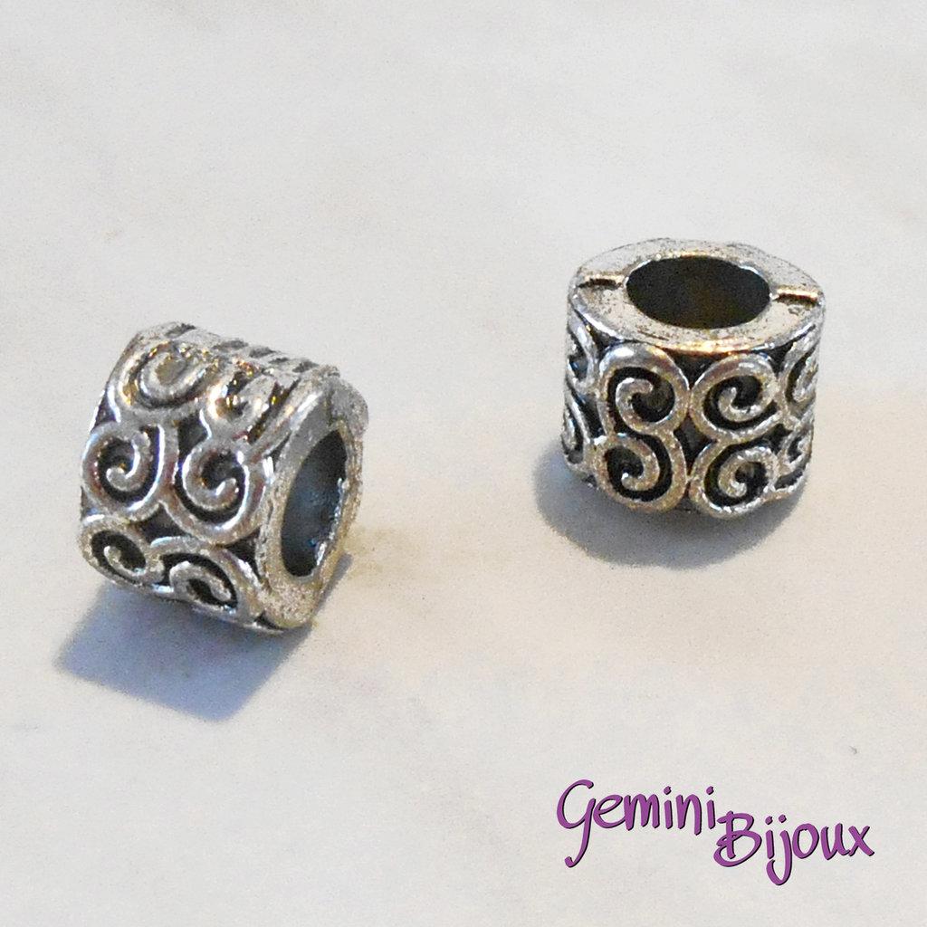 Perla tibetana in alluminio argentata a foro largo, mm 9x7. LH14