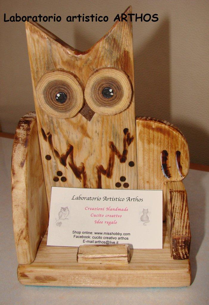 Gufo in legno porta biglietti da visita fatto a mano for Oggetti in regalo gratis