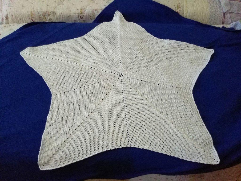 Copertina di cotone bianco a forma di stella