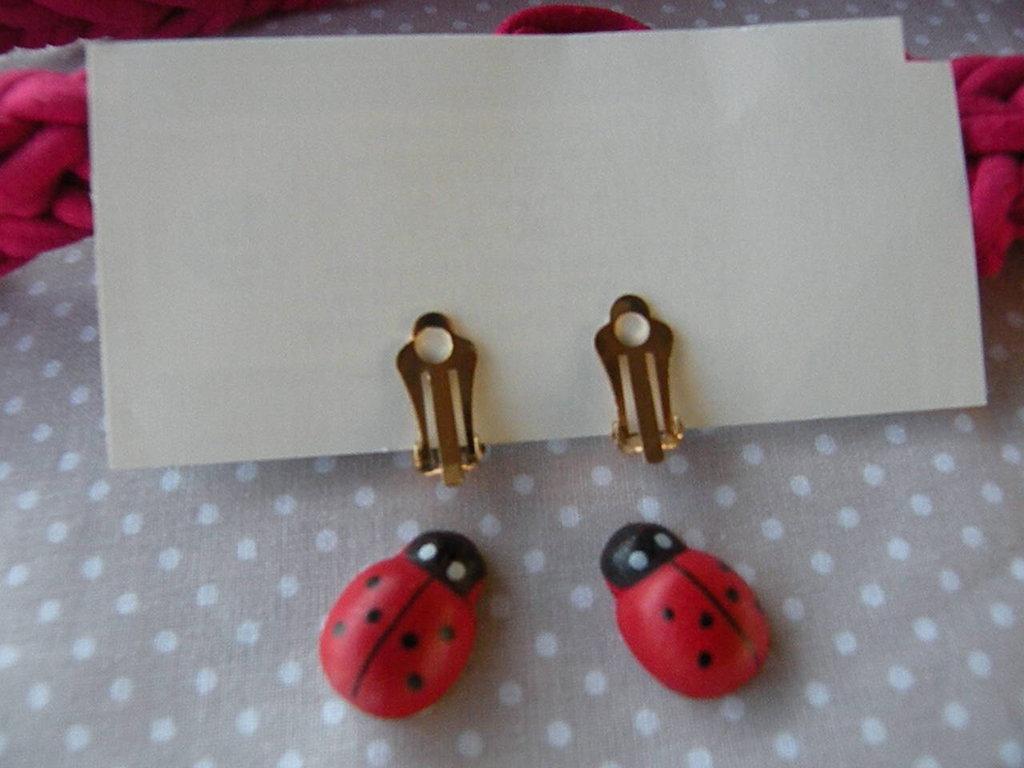 orecchini coccinella portafortuna