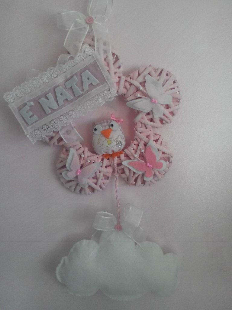 Fiocco di nascita o coccarda ricordo rosa a fiore con gufetto