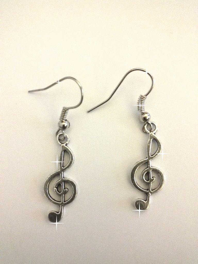 Orecchini con chiave di violino