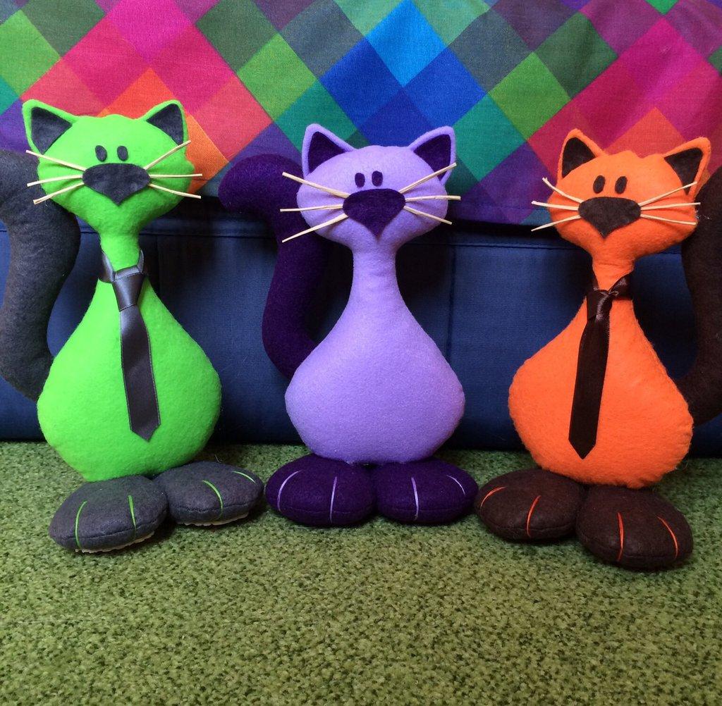 Gatto fermalibri o piccolo fermaporta realizzato a mano in for Gatti in pannolenci
