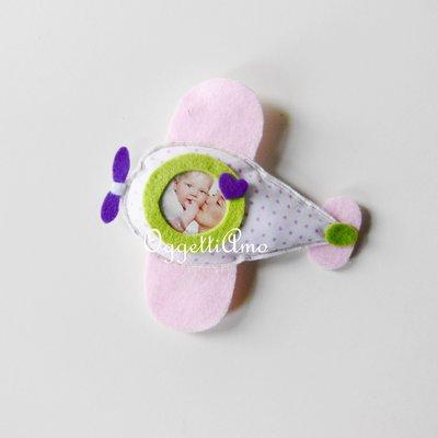 Aeroplanini rosa, verdi e viola per le bomboniere della vostra bambina: cornici, calamite e originali decorazioni!