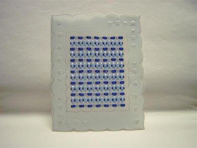 Biglietto in pergamena con nastrini azzurri