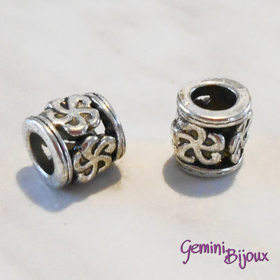 Perla tibetana in alluminio argentata a foro largo, mm 9x10. LH15