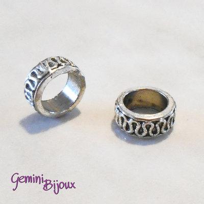 Perla tibetana in alluminio argentata a foro largo, mm 8x3. LH16