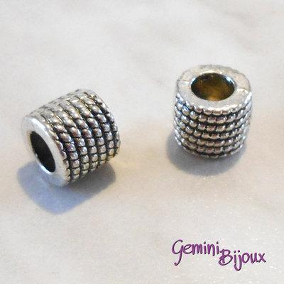 Perla tibetana in alluminio argentata a foro largo, mm 9x7. LH26