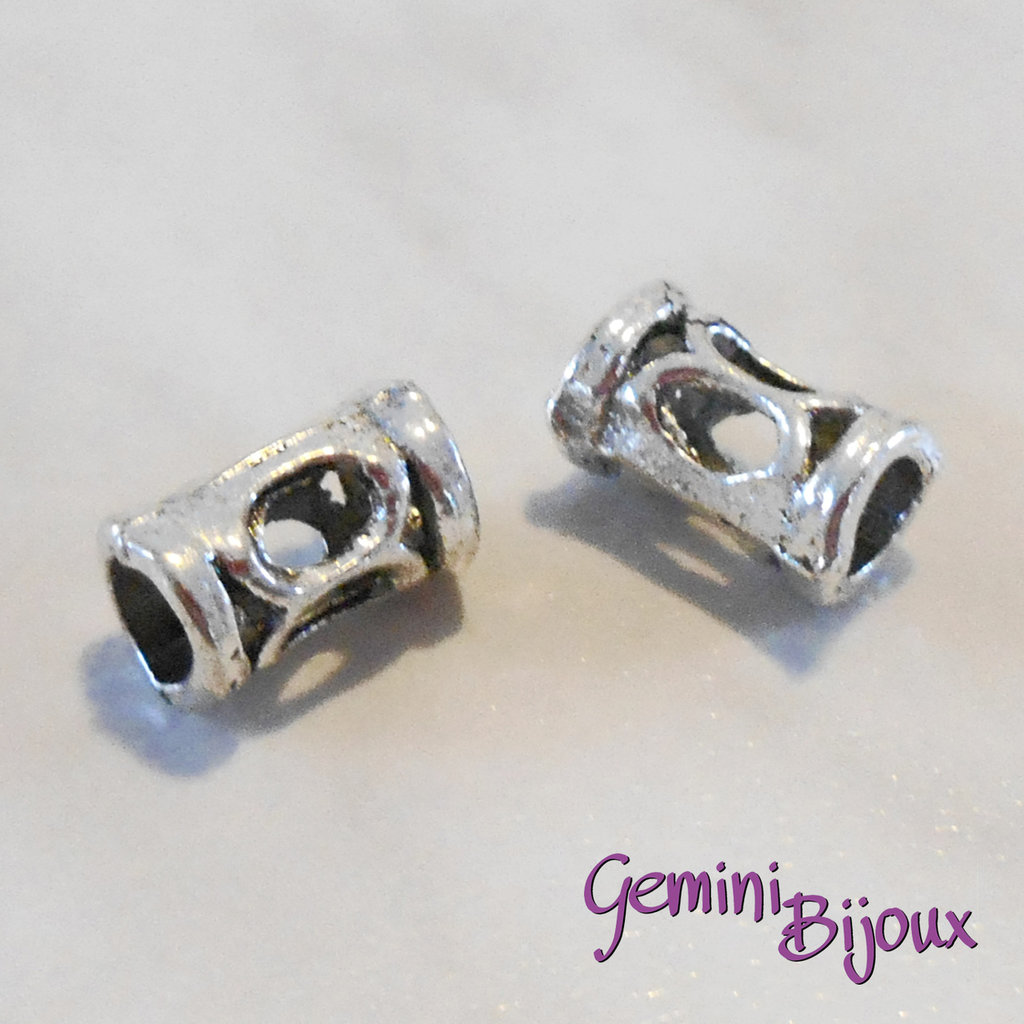 Perla tibetana in alluminio argentata a foro largo, mm 6x10. LH27