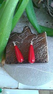 Orecchini pendenti corallo rosso fatti a mano