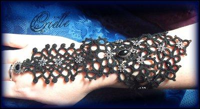"Bracciale /Guanto da Schiava Slave Bracelet ""Shakti"" in Pizzo Nero Chiacchierino"