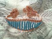 bracciale in alluminio e rame con cristalli azzurri fatto a mano
