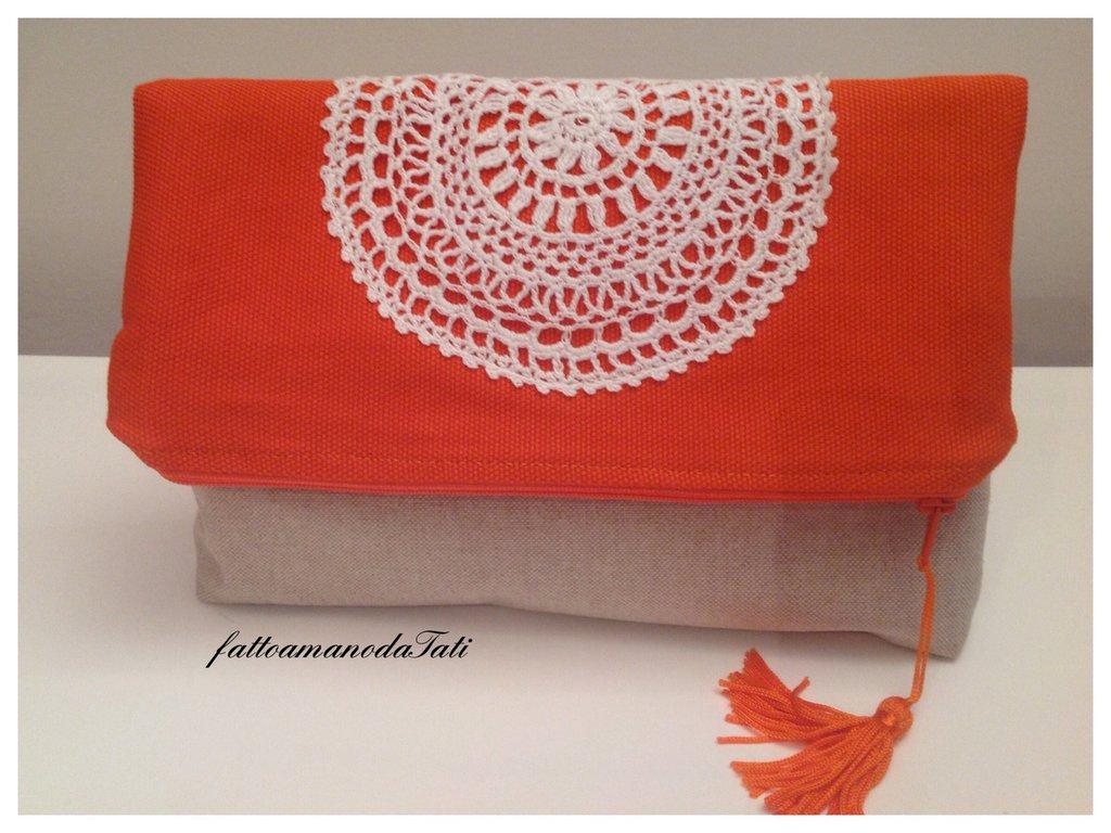 Pochette bicolore in cotone arancione ed ecrù con centrìno