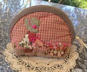 trousse -borsellino bambolina Sue con carrettino fiori