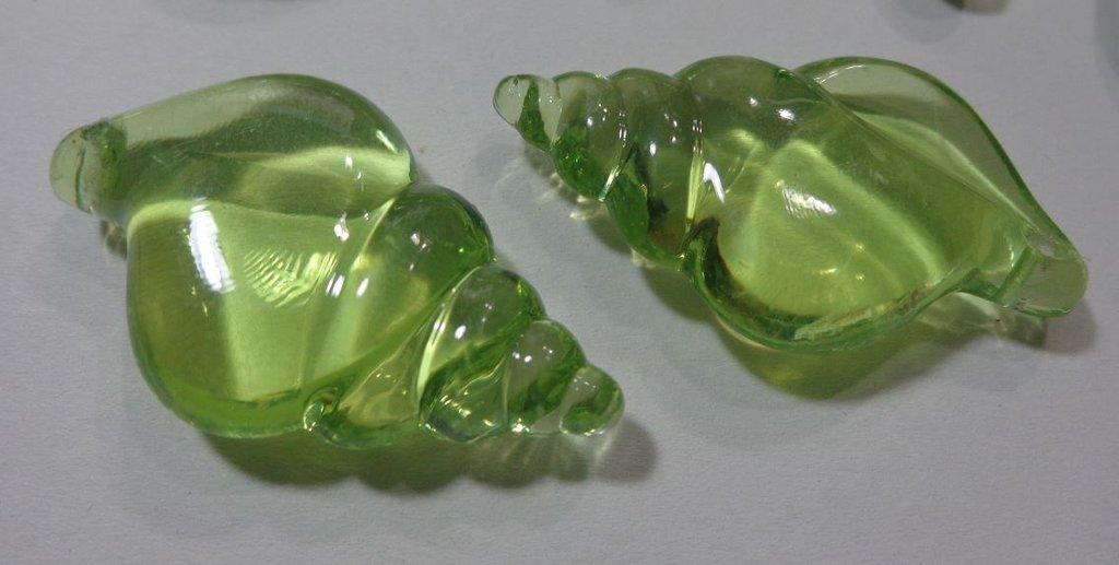 8 Perline Conchiglia in plastica VERDE
