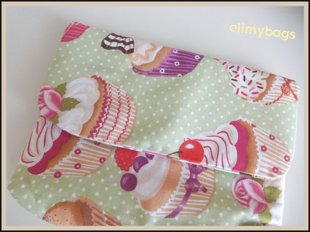 Pochette custodia borsellino con dolcetti cupcakes di stoffa fatto a mano♥