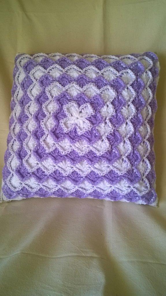 cuscino bianco e lilla