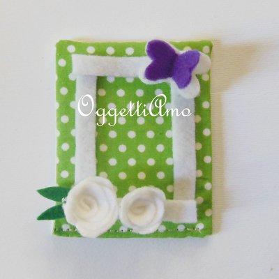 Cornicine lilla e verdi per calamite in pannolenci a fiori, pois e quadretti: bomboniere per la foto della vostra bambina!
