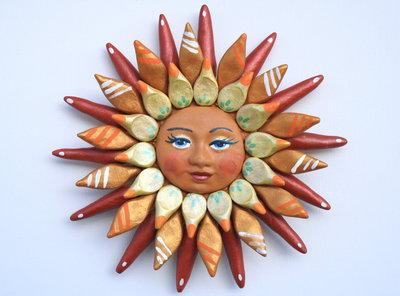 Sole da appendere a parete in terracotta dipinto a mano / Bomboniera (2)