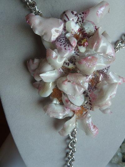 """Collana con Orchidee """"Sospeso Trasparente"""""""
