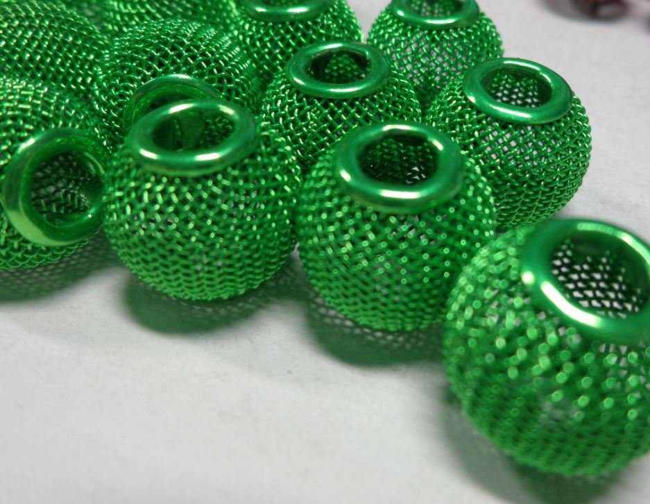 10 Perline Mesh In Metallo Retato Foro Largo VERDE MELA